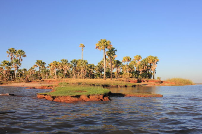 Marandravy Island on Lake Kinkony - Photo: Bernhard Walter