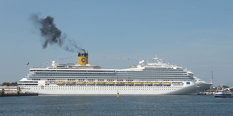 the pollution caused by cruise ships Us-based cruise ship major carnival corporation & plc is facing an eur 100,000 fine after it was accused of deliberately exceeding european air pollution limits namely, the french prosecutors called for the fine against the captain of the cruise ship azura, evans hoyt, and the vessel's owners.
