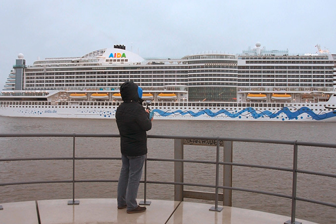 Polluted air on cruise ships endangers the health of passengers and impacts the environment