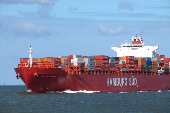 Container ships need to become more climate-friendly